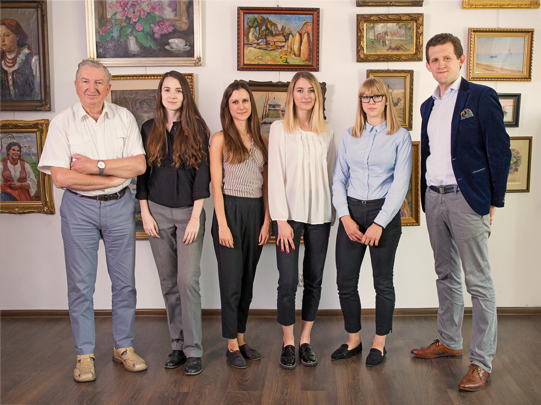 Zespół Salonu Connaisseur (od lewej): Konstanty Węgrzyn, Karolina Bańkowska, Magdalena Tracz, Karolina Jamróz, Natalia Musialik, Maciej Jakubowski.