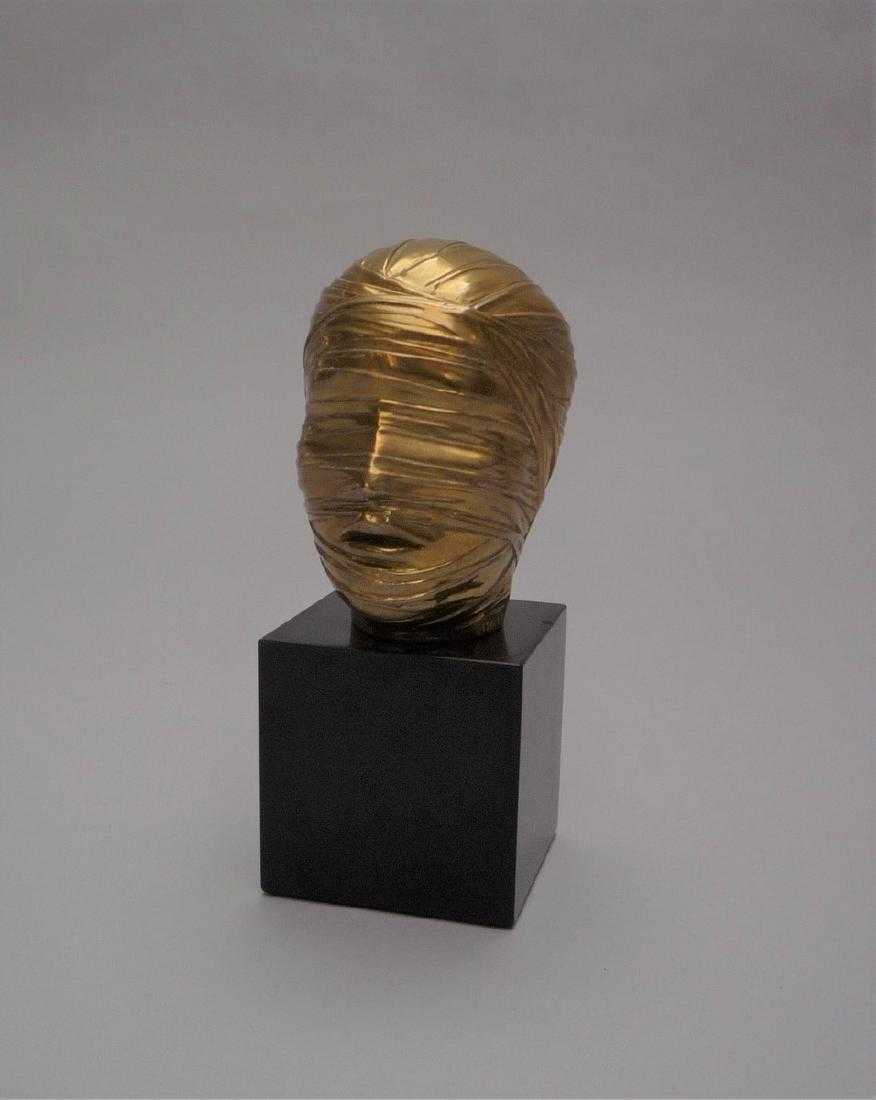 "Igor Mitoraj (1944-2014) ""Tête secrète"", źródło: Louiza Auktion & Associates"