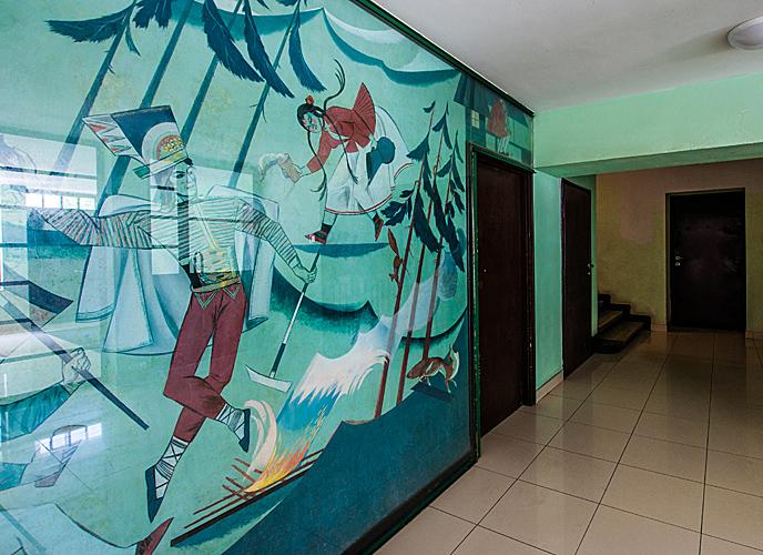 Malowidło Zofii Stryjeńśkiej w hallu Domu Wedla w Warszawie, źródło: 3metry.pl