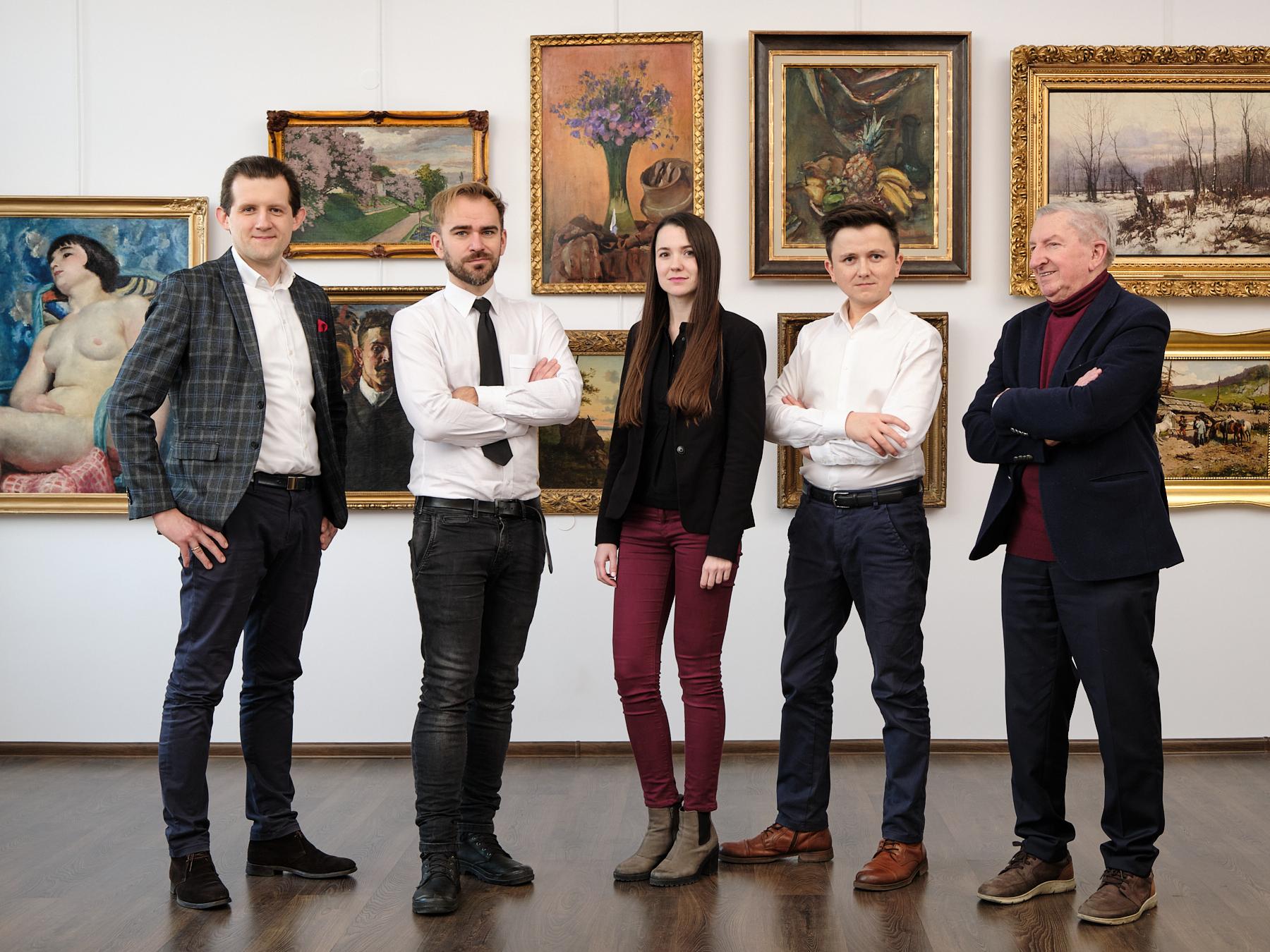 Zespół Salonu Connaisseur (od lewej): Maciej Jakubowski, Mateusz Szczypiński, Karolina Bańkowska, Mirosław Żak, Konstanty Węgrzyn.