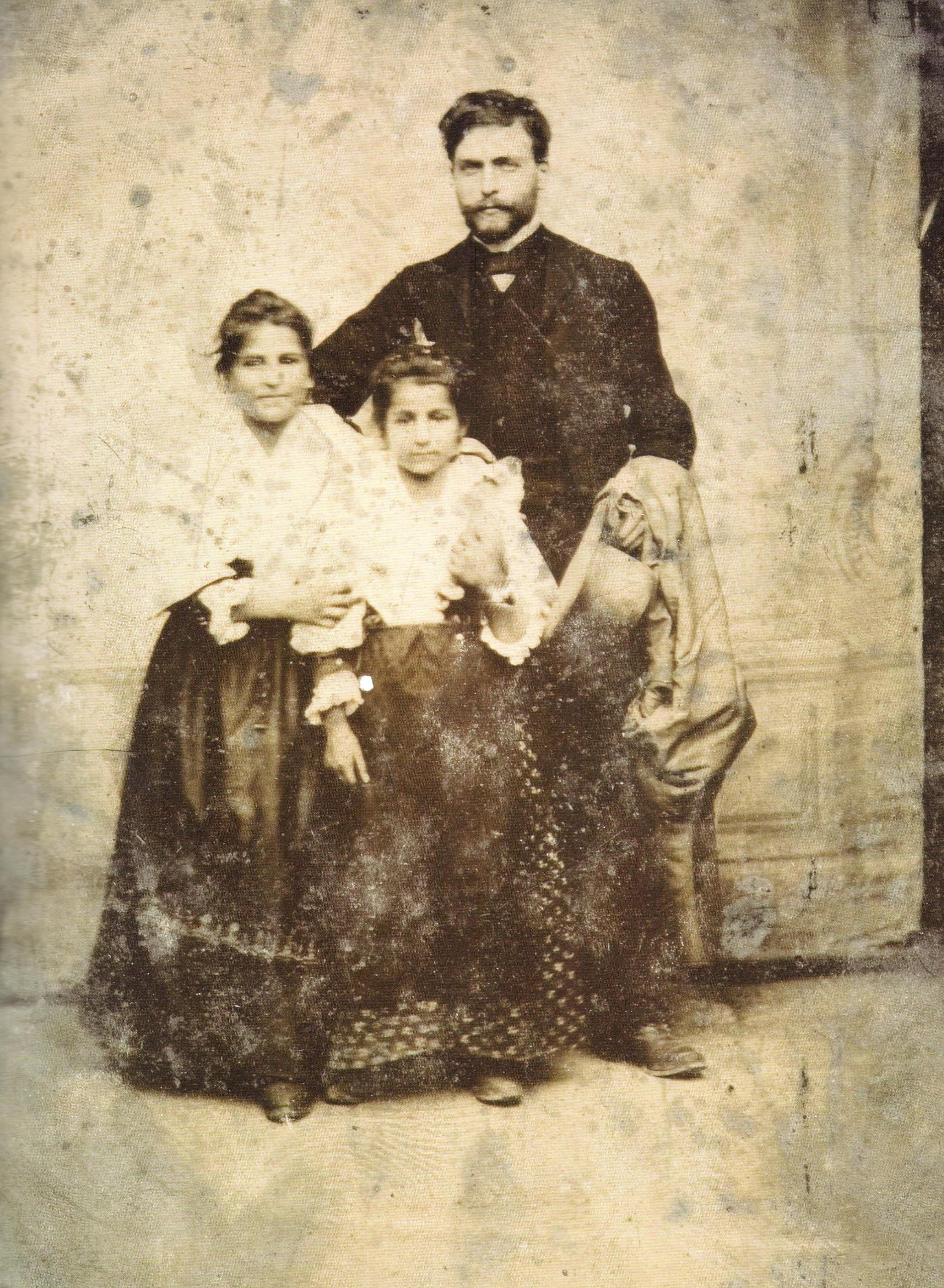 Stanisław Wyspiański z cygankami w Paryżu, 1893 rok, źródło: Polska Akademia Nauk