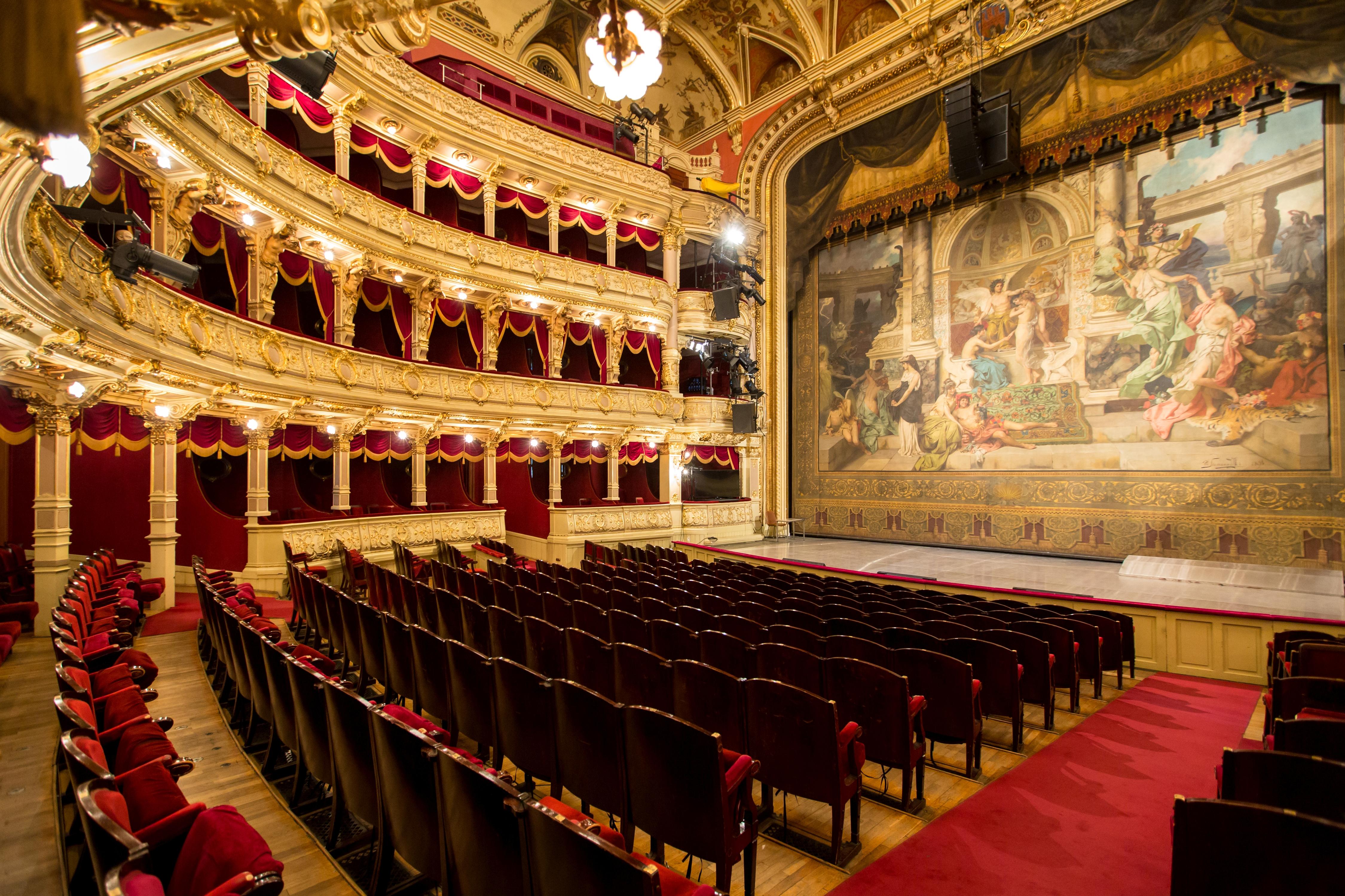 Wnętrze Teatru Słowackiego z kurtyną Siemiradzkiego, źródło: wk.asp.krakow.pl