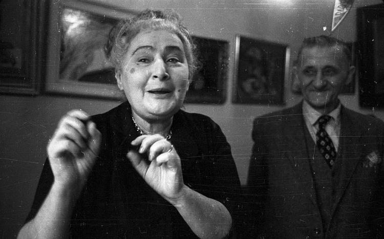 Fotografia przedstawiająca Izabelę Czajkę-Stachowicz i Teofila Ociepkę w 1957 roku, źródło: Muzeum Narodowe w Warszawie