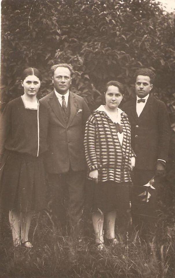 Edmund Monsiel (drugi od lewej) z rodziną, źródło: archiwum rodziny