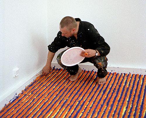 Leon Tarasewicz na Biennale w Wenecji 2001 roku, źródło: raster.art.pl