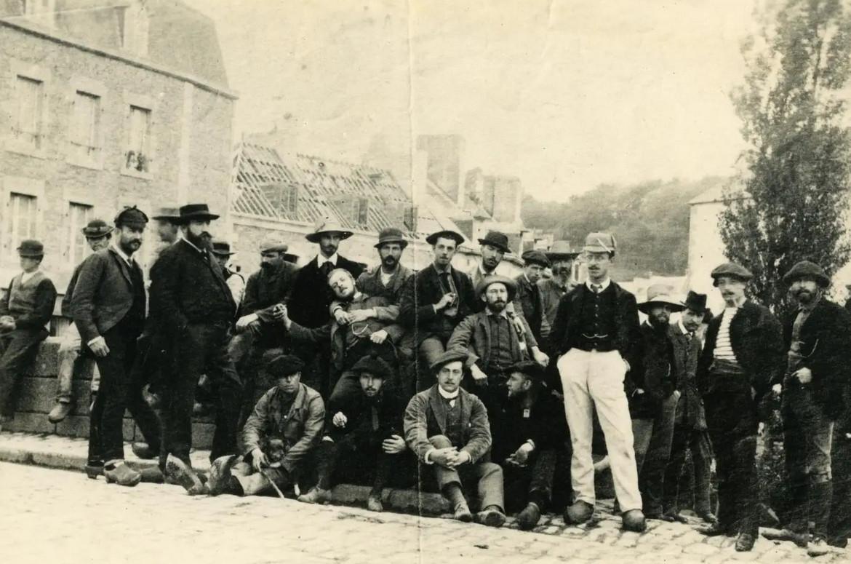 Grupa artystów z kolonii w Pont-Aven, ok. 1888 roku, źródło: homesandproperty.co.uk