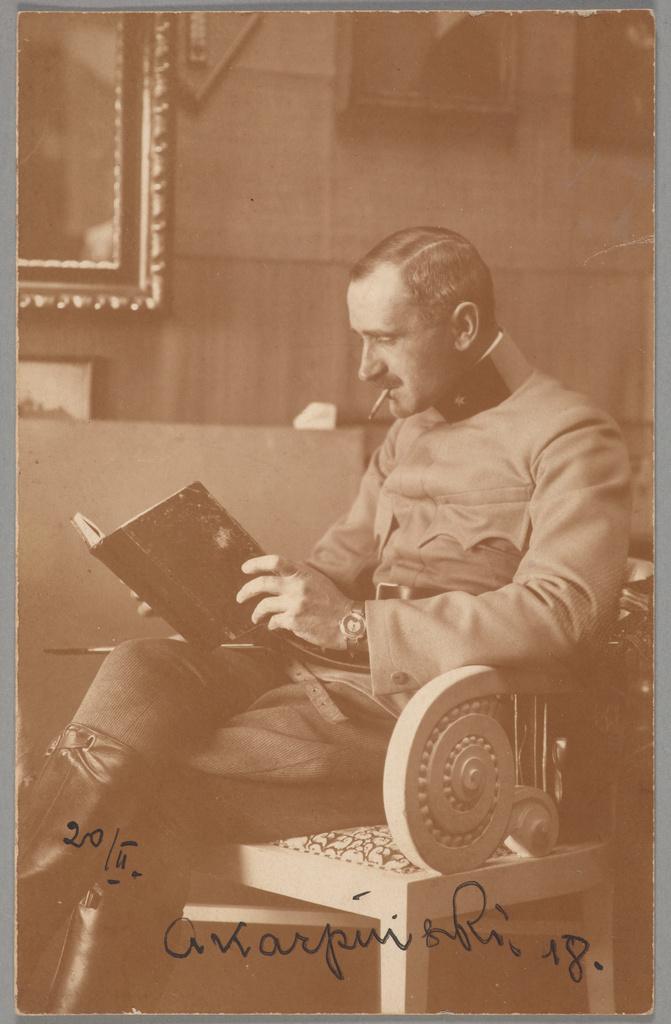 Fotografia przedstawiająca Alfonsa Karpińskiego w mundurze, 1918 rok, źródło: Muzeum Narodowe w Krakowie