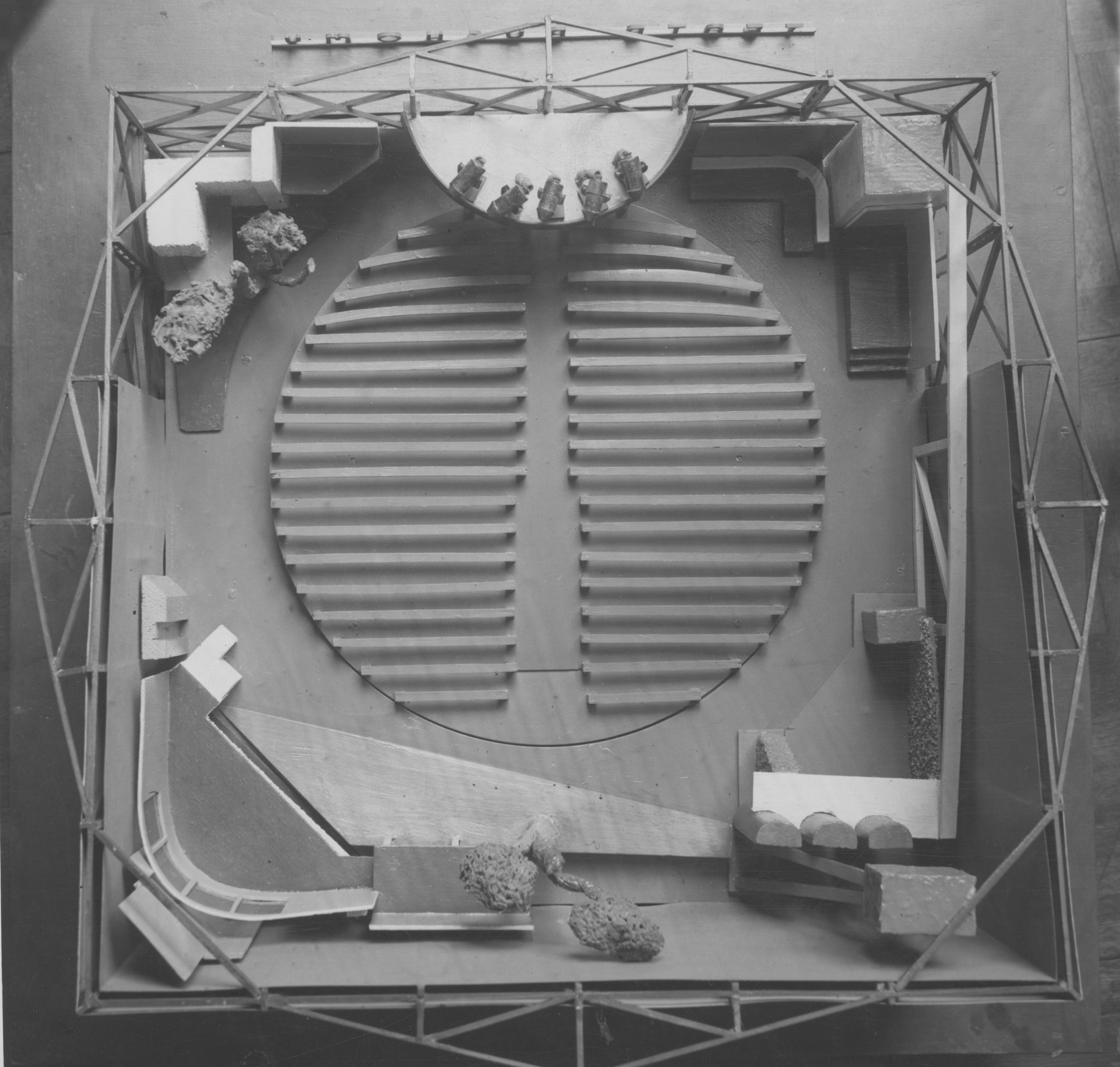 Projekt teatru ruchomego autorstwa Andrzeja Pronaszki, 1935 rok, źródło: Narodowe Archiwum Cyfrowe