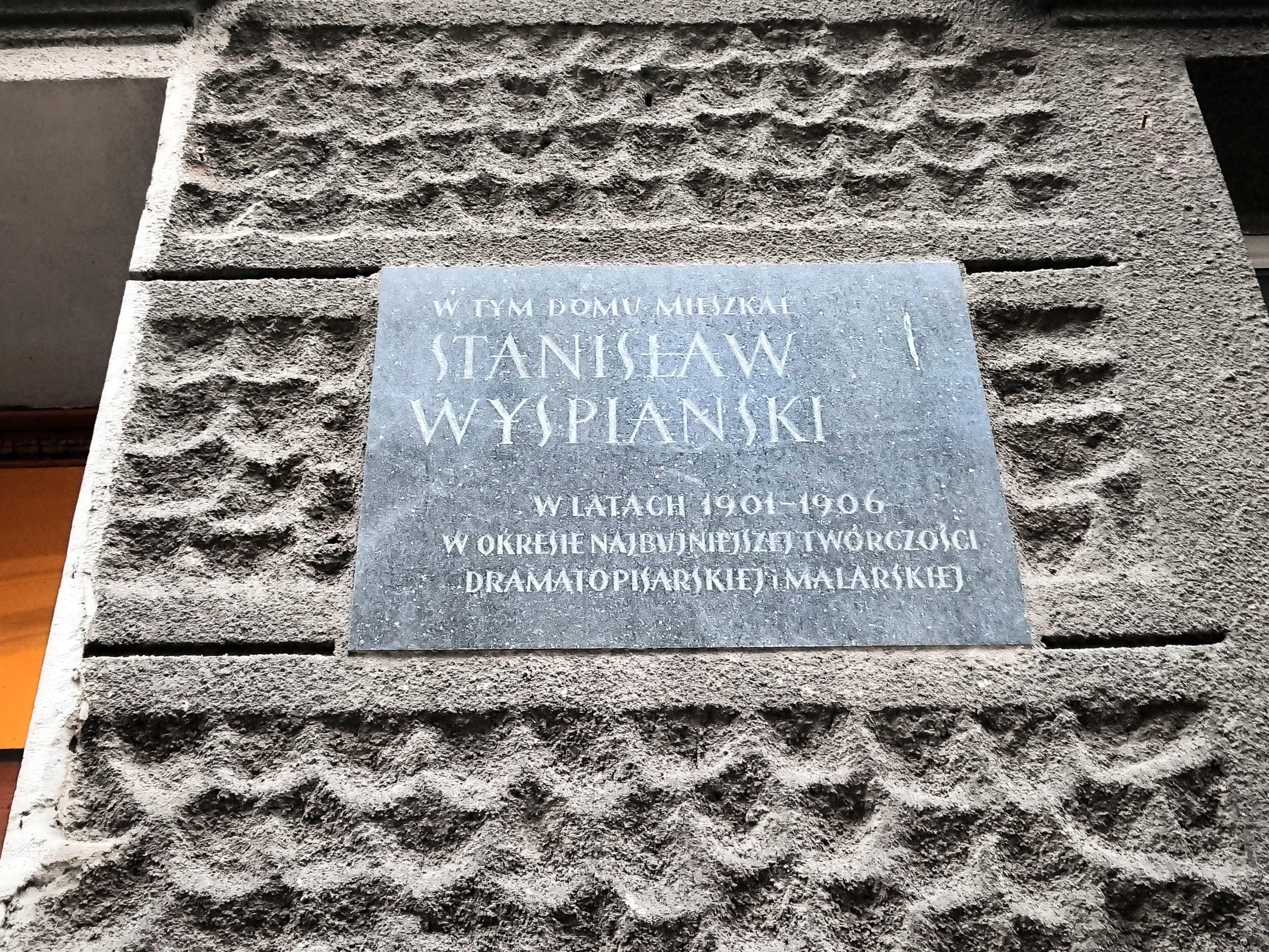 Tablica pamiątkowa na ścianie domu przy ulicy Krowoderskiej 79, źródło: archiwum autorki