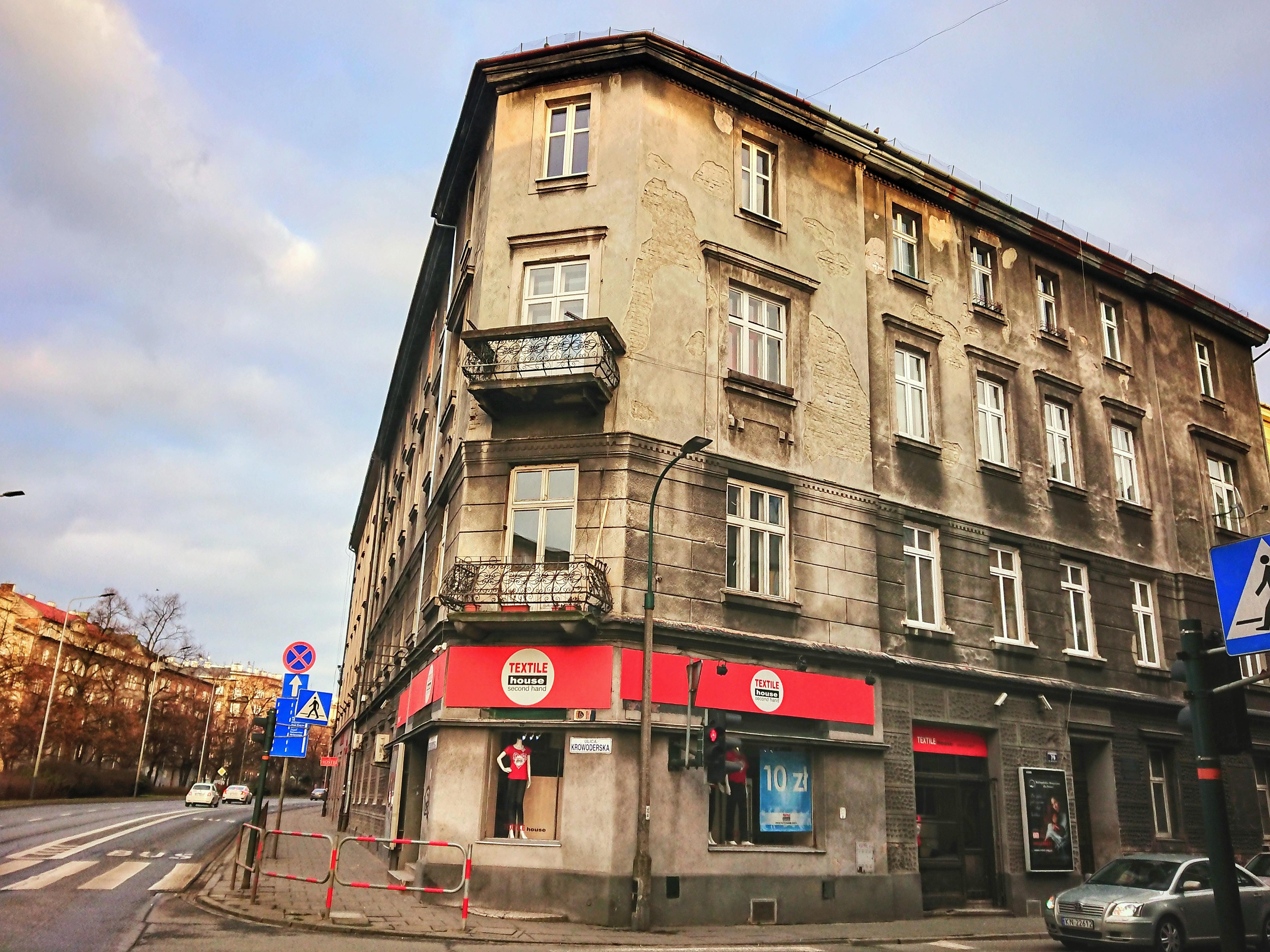 Narożna kamienica przy ulicy Krowoderskiej 79, źródło: archiwum autorki