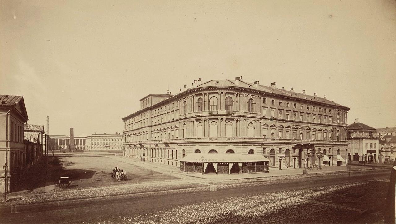 Hotel Europejski, w którym Witkiewicz z przyjaciółmi miał pracownię, 1878 rok, źródło: warszawawpigulce.pl