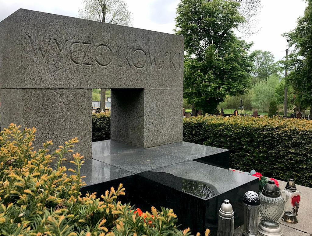 Nagrobek Leona Wyczółkowskiego na cmentarzu we Wtelnie, źródło: archiwum autora