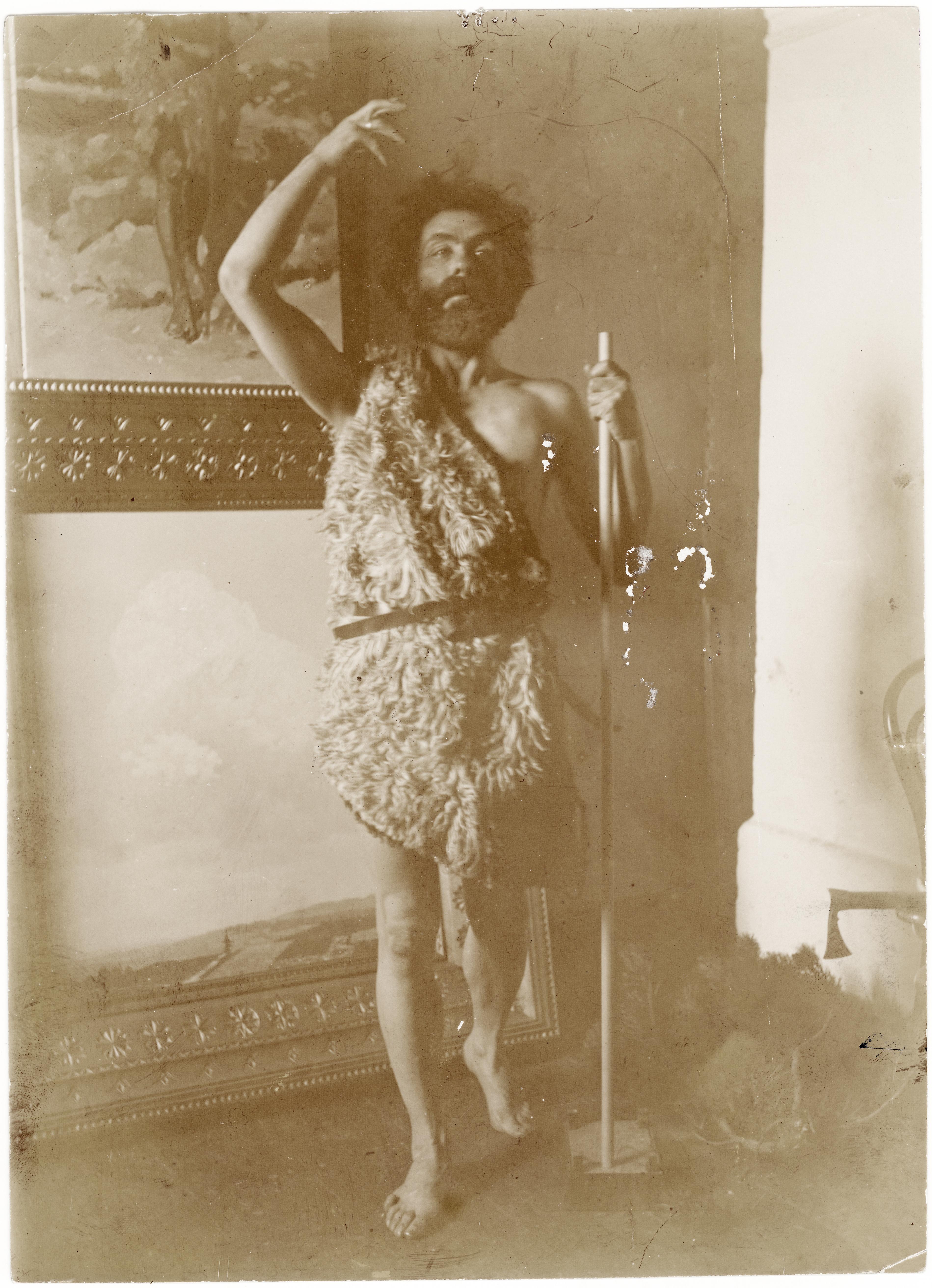Stanisław Witkiewicz na fotografii pozujący jako Jan Chrzciciel, źródło: Muzeum Tatrzańskie w Zakopanem
