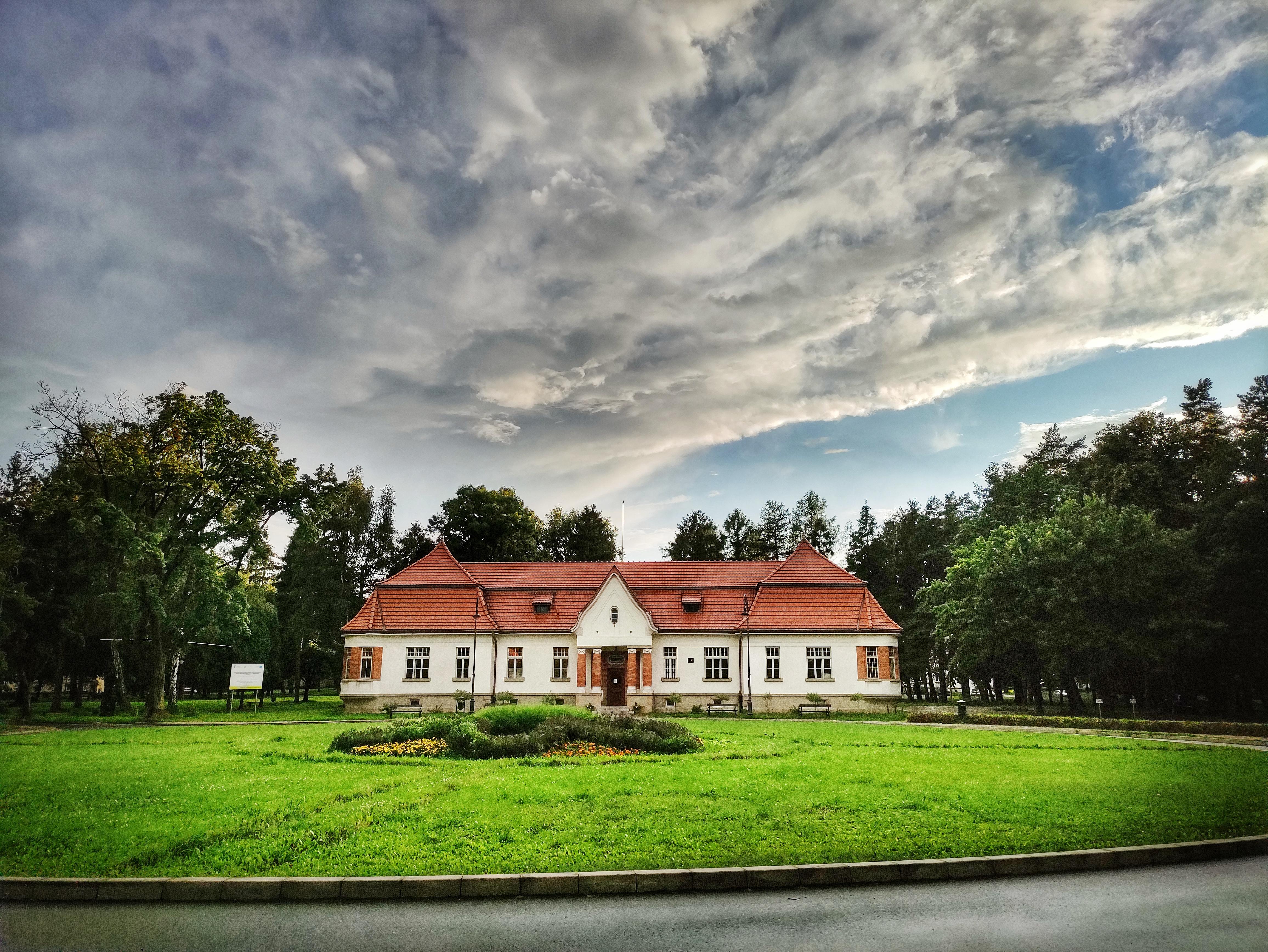 Budynek administracji szpitala w Kobierzynie, źródło: archiwum autorki