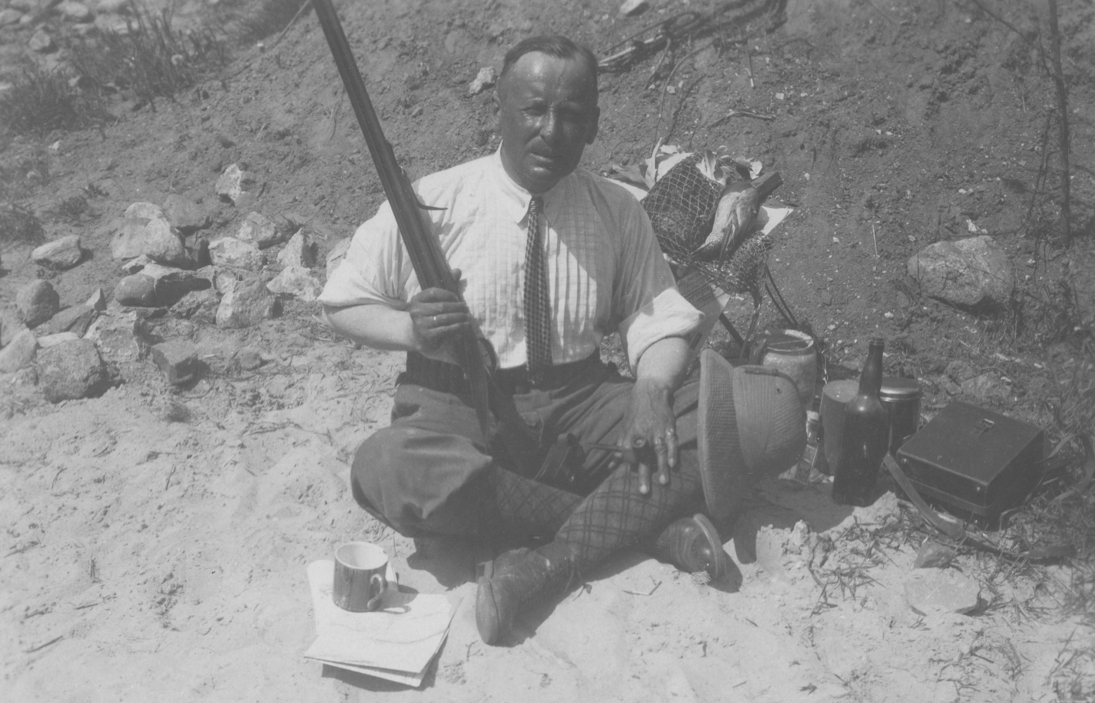 Aleksander Laszenko podczas pobytu w Afryce, lata 30. XX wieku, źródło: Narodowe Archiwum Cyfrowe