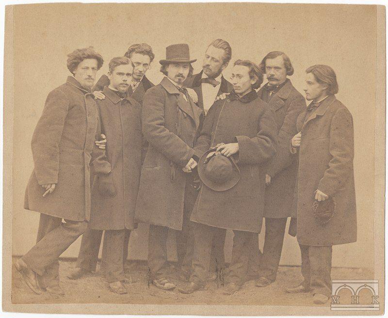Grupa artystów podczas pożegnania Cypriana Godebskiego, około 1865 roku. Aleksander Gryglewski stoi pierwszy z lewej, źródło: Muzeum Krakowa