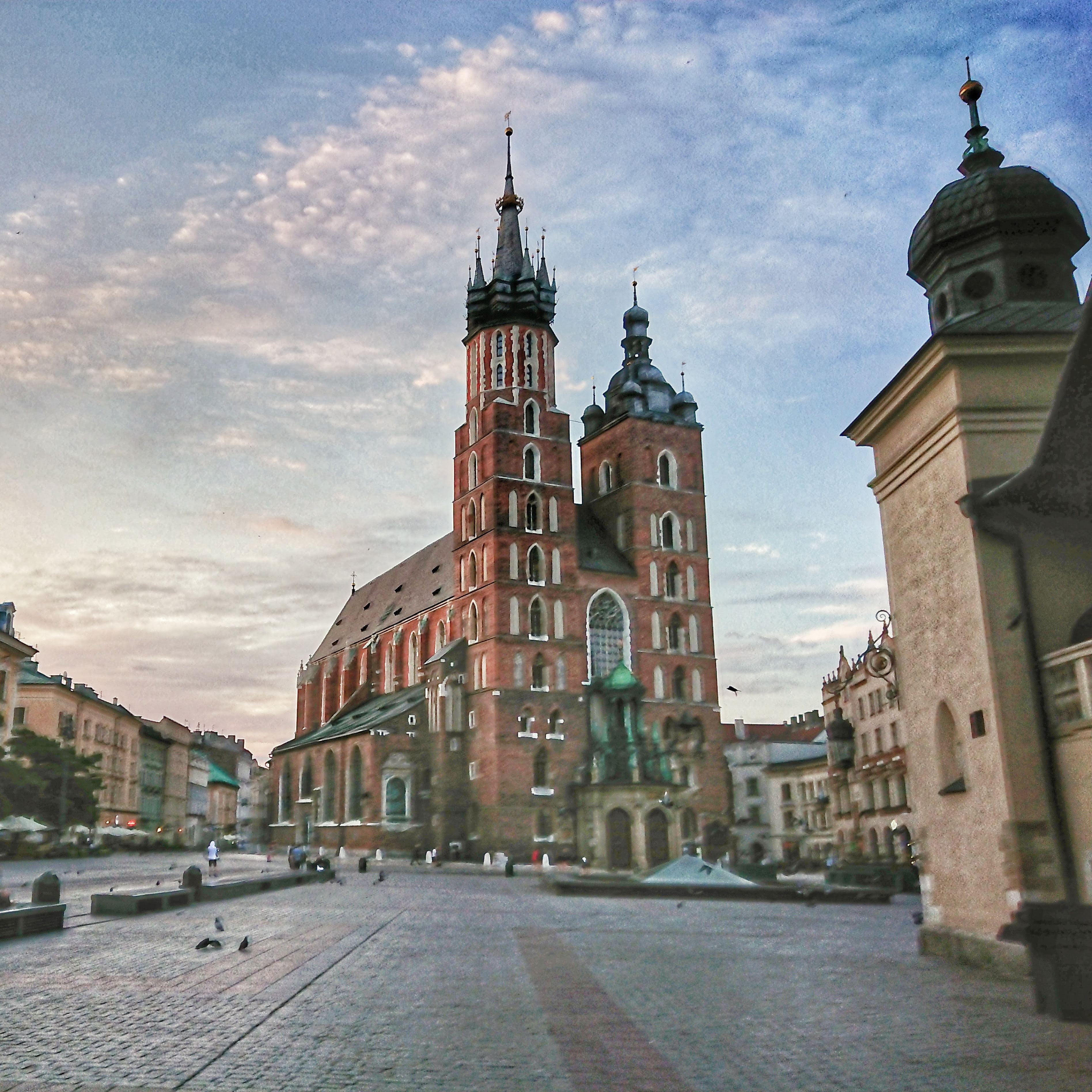 Widok z Rynku Głównego na kościół Mariacki, źródło: archiwum autorki